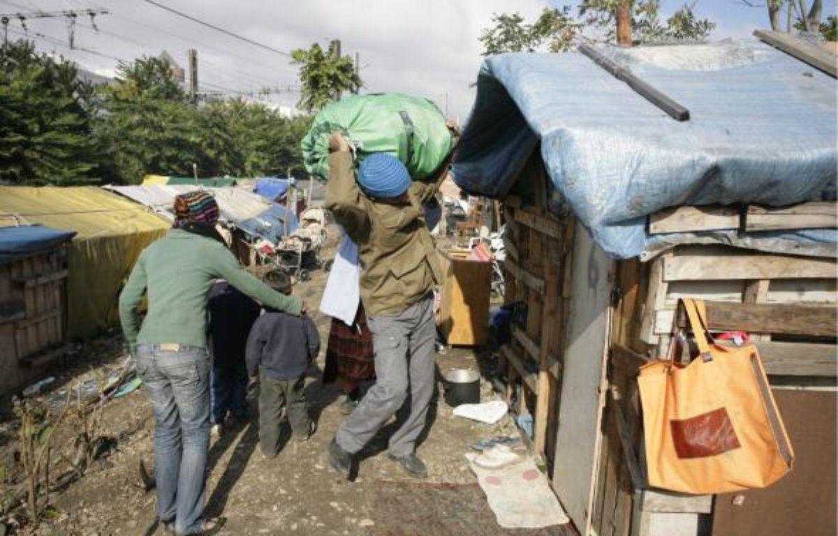 Le délai de six mois accordé par la justice aux Roms de la rue Paul-Bert (3e) expire aujourd'hui. Ils sont désormais expulsables. –  E. FOUDROT / 20 MINUTES