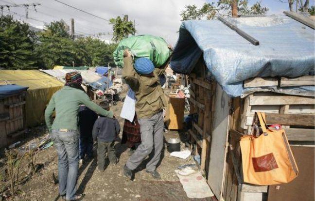 Le délai de six mois accordé par la justice aux Roms de la rue Paul-Bert (3e) expire aujourd'hui. Ils sont désormais expulsables.
