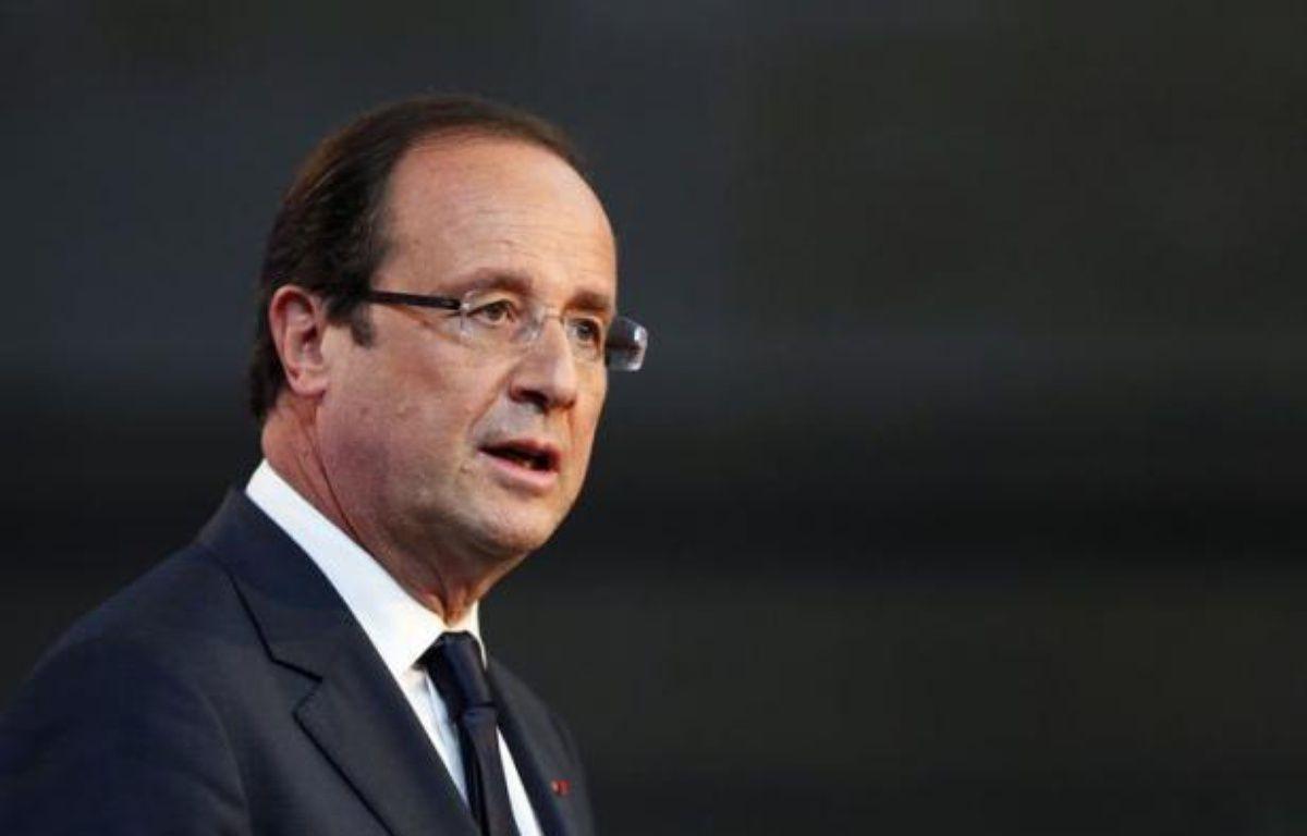 François Hollande rencontre mardi pour sa première visite officielle au Royaume-Uni le premier ministre conservateur David Cameron, avec qui les sujets de divergence ne manquent pas, de la crise de l'Euro à la taxation des plus hauts revenus et la régulation de la City. – Kenzo Tribouillard afp.com