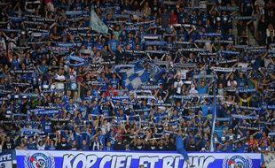 Le Racing club de Strasbourg va ouvrir une plateforme de revente légale des billets de matches à la Meinau pour lutter contre les reventes (illégales) à des prix exorbitants en vue des gros affrontements à venir en Ligue 1.