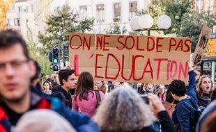 Manifestations contre les réductions de postes dans l'éducation, le 12 novembre 2018. Credit: KONRAD K./