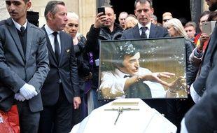 Les funérailles de Dick Rivers ont rassemblé plusieurs centaines de personnes à l'église Saint-Pierre de Montmartre, le 2 mai à Paris
