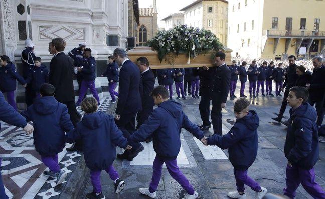 Les funérailles de Davide Astori, décédé de causes naturelles à l'âge de 31 ans, ont eu lieu à Florence le 8 mars 2018.