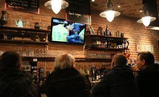 Un bar de Nantes, dimanche 3 novembre 2013.
