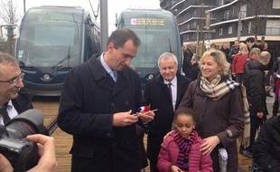 Vincent Feltesse, lors de l'inauguration du tramway dans le quartier Ginko à Bordeaux