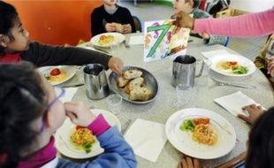 La cantine de l'école de la Chauvinière a servi du pain bio aux élèves, hier midi.