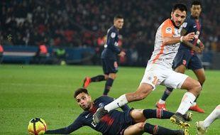 Gaëtan Laborde, ici en championnat de France de Ligue 1 face au Parisien Layvin Kurzawa.