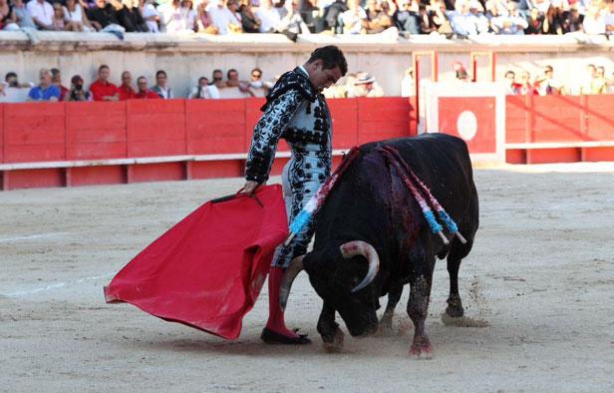 Le matador Jose Mari Manzanares durant une corrida se tenant pendant la feria de Nîmes, le 15 septembre 2012. – A. ROBERT/APERCU/SIPA