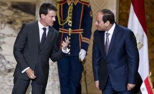 Le Premier ministre français  Manuel Valls et le président égyptien Abdel Fattah al-Sisi le 10 octobre 2015 au Caire