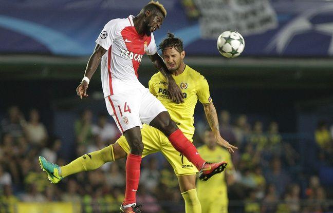 Bakayoko (Monaco) à la lutte avec Pato (Villarreal)