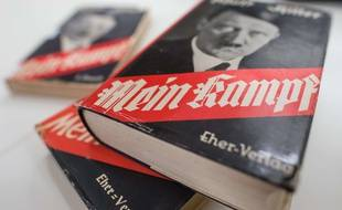 Des éditions du livre d'Adolf Hitler «Mein Kampf», le 11 décembre 2015 à l'Institut d'histoire contemporaine de Munich, en Allemagne.
