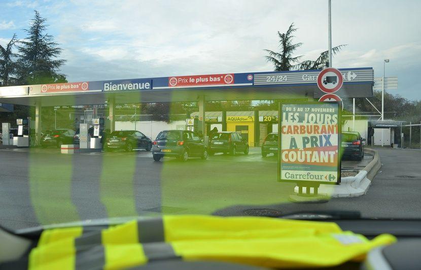 f4ef2930121 Hausse du carburant  Un syndicat de policiers appelle à soutenir le  «mouvement des gilets jaunes»
