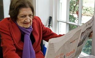 Helen Thomas, doyenne des correspondants de presse à la Maison Blanche, ici prise en photo en 2009, est décédée le 20 juillet 2013, à l'âge de 92 ans.