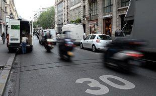 Une rue limitée à 30 km/h à Paris. (illustration)