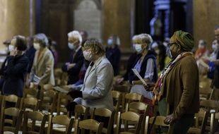 Le port du masque est désormais obligatoire dans les églises françaises