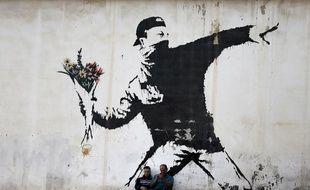 La célèbre oeuvre de Banksy sur un mur de Bethléem, le 16 décembre 2015.