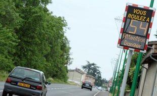 Demandé récemment par Nicolas Sarkozy, le déploiement en France du Lavia, un système GPS pouvant réguler de lui-même la vitesse des véhicules, divise et risque de mécontenter sans avoir un grand impact sur l'accidentalité routière, estiment des experts.