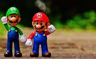 Le héros de jeu vidéo Mario et son cousin Luigi.