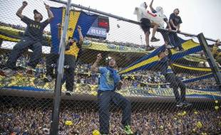 Les supporters de Boca Juniors à la Bombonera, le 24 avril 2016, contre River Plate.