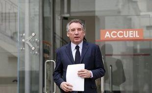 """Le président du MoDem François Bayrou a estimé jeudi que l'ancien ministre du Budget Jérôme Cahuzac n'a pas bénéficié de """"protections"""" et que le couple exécutif, qui avait """"des doutes"""" mais """"pas de preuves"""", a attendu que la justice fasse son travail."""