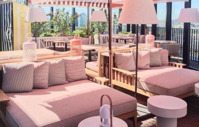 Canapés rose poudré pour le rooftop du Mama Shelter West