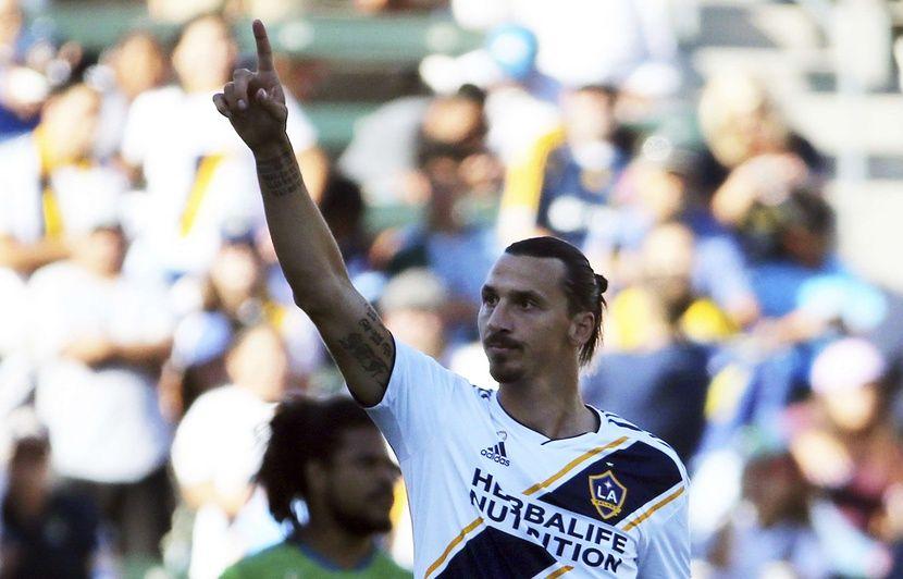 Mercato: Zlatan Ibrahimovic annonce son retour en Série A