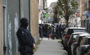 Opération de police à Molenbeek, en Belgique, le 16 novembre 2015.