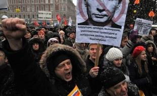 """Le Premier ministre Vladimir Poutine, candidat à la présidentielle de 2012 a """"toujours le soutien de la majorité"""" en Russie en dépit de l'immense manifestation contre son régime à Moscou, a déclaré dimanche à l'AFP son porte-parole Dmitri Peskov."""