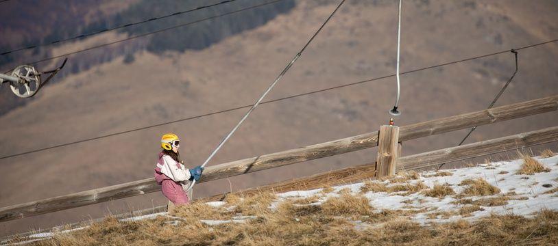 La station de ski de Luchon-Superbagnères, dans les Pyrénées, le 7 février 2020, où il manque de la neige.
