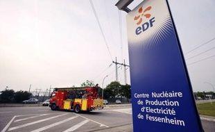 """La centrale nucléaire de Fessenheim, doyenne du parc français, sera fermée comme promis par le président François Hollande """"le plus tôt possible"""" mais """"dans le dialogue social"""", a déclaré la ministre de l'Ecologie et de l'Energie, Delphine Batho, au Journal du Dimanche."""