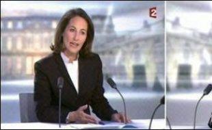 Ségolène Royal et Nicolas Sarkozy ont croisé le fer mercredi soir lors du débat d'entre-deux tours présidentiel, la candidate socialiste attaquant avec pugnacité, son adversaire UMP affichant calme et pondération