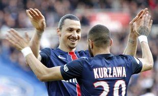 Ibrahimovi et Kurzawa lors de PSG-Caen, le 16 avril 2016.