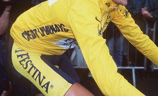 En 1999, l'équipe Festina est entièrement exclue du Tour de France pour violation du règlement anti-dopage.