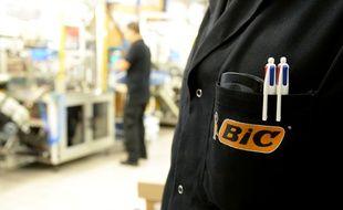 Illustration d'un salarié d'une usine Bic, ici à Montrevain, près de Paris.