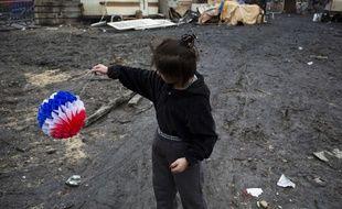 Une  enfant rom le 13 février 2014 à Bobigny