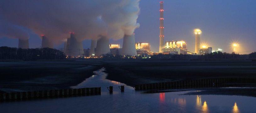 Une usine à charbon à côté de Cottbus