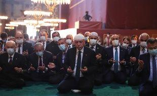 Vendredi à Istanbul a eu lieu la première prière à la basilique Sainte-Sophie, une cérémonie à laquelle a assisté le président Recep Tayyip Erdogan.