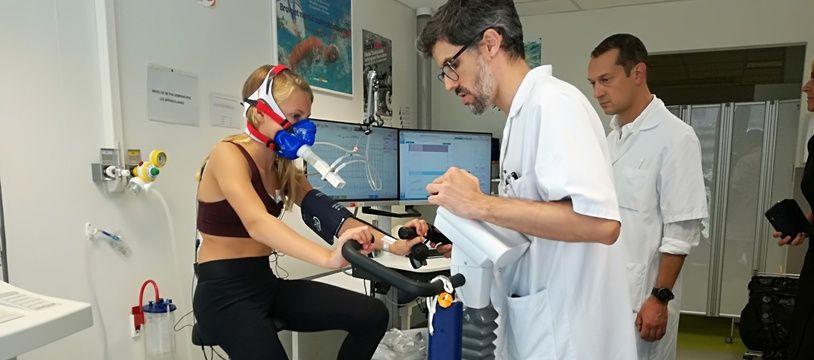Tya, lors de son test à l'effort réalisé à la nouvelle clinique du sport universitaire de Toulouse.