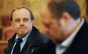 Jean-Louis Muller, à la cour d'assises de Nancy, le 21 octobre 2013, avec son avocat Eric Dupond-Moretti.