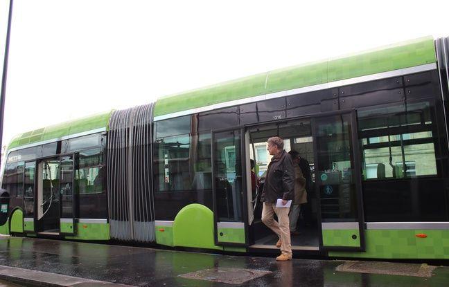 Le BHNS, comme ici le Mettis qui circule à Metz, est équipé de portes coulissantes comme un tramway