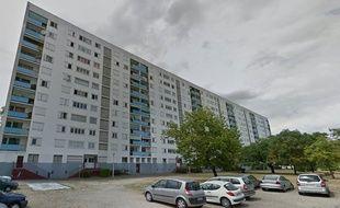 Cette barre d'immeubles de la cité de la Benauge construite en 1959 abrite 150 logements.
