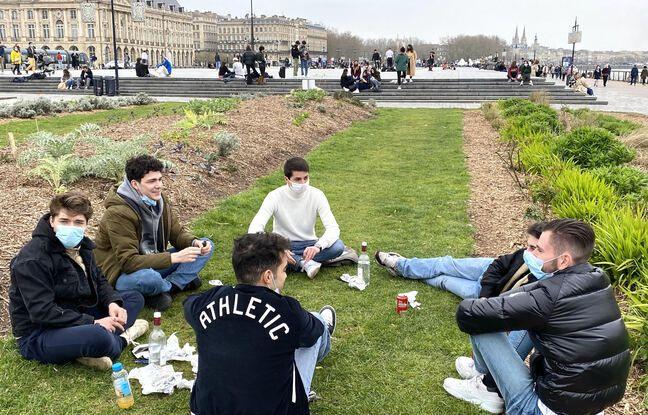 Plusieurs groupes s'étaient réunis ce dimanche sur les quais de Bordeaux