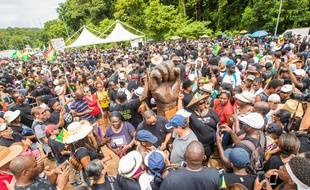 Des manifestants à Kourou, en Guyane, le 4 avril 2017.