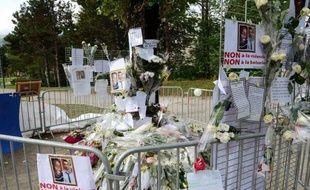 Seul un fuyard, âgé de 20 ans, était toujours activement recherché par la police jeudi dans le cadre de l'enquête sur la rixe mortelle d'Echirolles (Isère), après la reddition en début d'après-midi du plus jeune des deux suspects en fuite.
