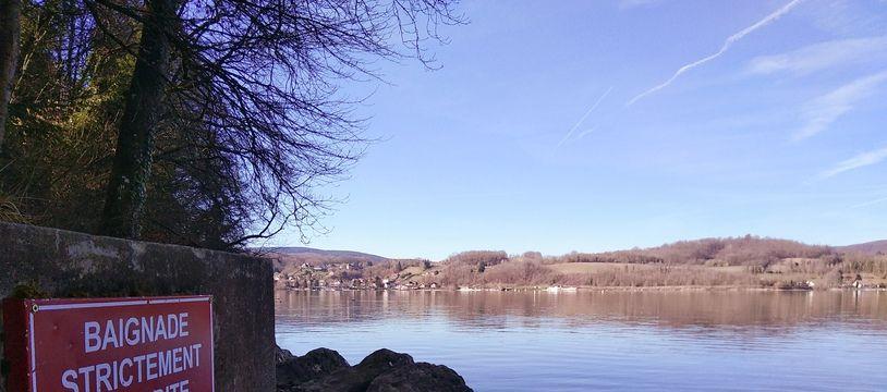 Illustration au lac de Paladru (Isère) en février 2020.