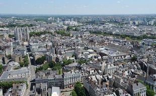 Vue aérienne de Nantes, ville la plus peuplée du département