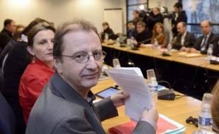 Patronat et syndicats ont repris jeudi leurs discussions sur la réforme du marché du travail, les syndicats se montrant de plus en plus pessimiste quant à la possibilité de conclure dans la soirée, en raison notamment du refus réitéré du Medef de taxer les contrats courts.