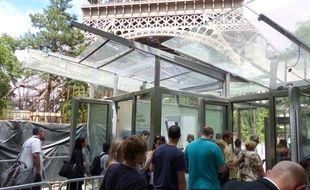 Le point d'accès à la tour Eiffel