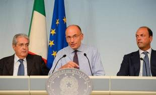 Une énième crise gouvernementale a éclaté en Italie avec la démission samedi des cinq ministres membres du Peuple de la Liberté (PLD, centre droit), au lendemain d'un ultimatum du premier ministre Enrico Letta leur demandant de clarifier leur soutien.