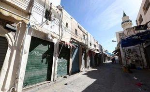Le numéro deux des renseignements libyens a été enlevé dimanche à Tripoli, où les habitants observent une grève générale pour dénoncer les heurts meurtriers des deux derniers jours, qui font craindre une escalade de la violence.